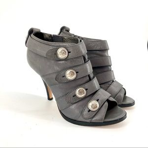 Coach: stiletto ankle boots in gray leather (7B)